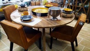 Made Ile Décoration Ile d'Oléron - Table ronde en bois et chaises en cuir